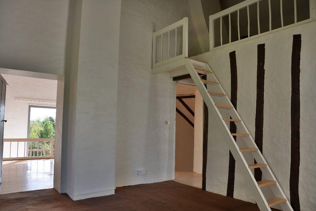 Maison à louer 4 116.98m2 à Tigeaux vignette-9