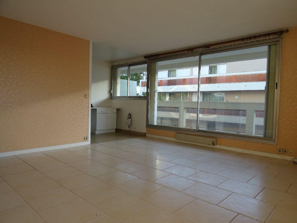 Appartement à louer 3 77.74m2 à Meaux vignette-2