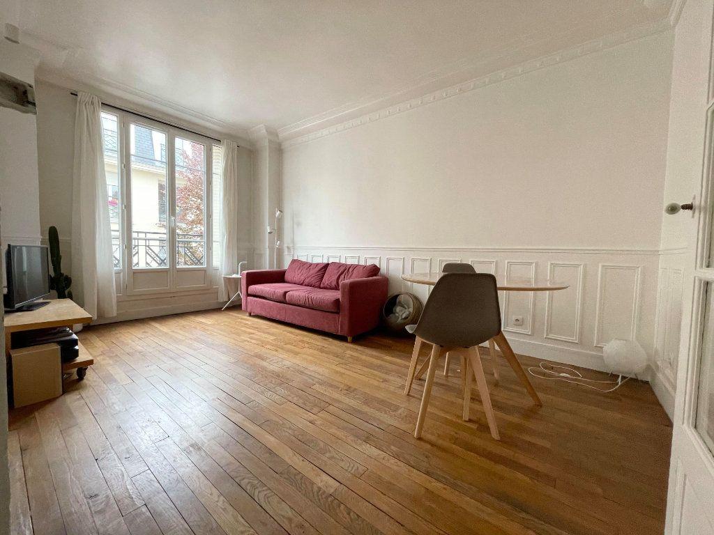 Appartement à louer 2 38m2 à Montrouge vignette-2