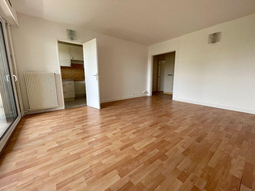 Appartement à vendre 3 63m2 à Montrouge vignette-2