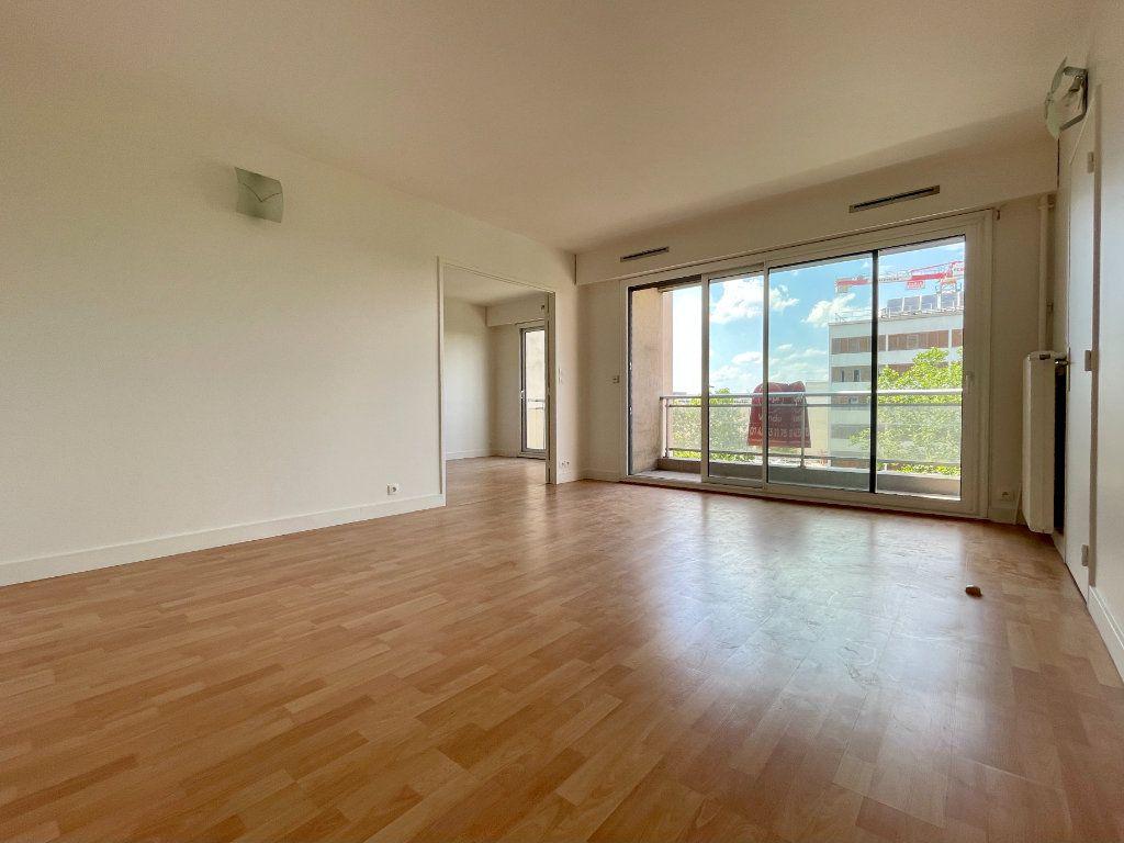 Appartement à vendre 3 63m2 à Montrouge vignette-3