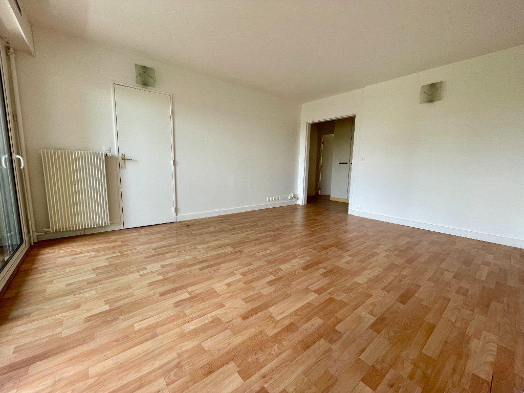 Appartement à vendre 3 63m2 à Montrouge vignette-4