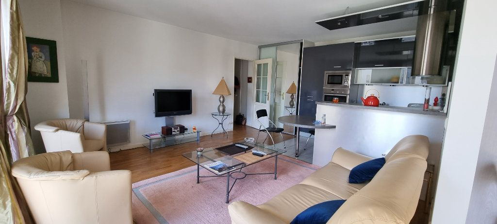 Appartement à louer 2 47.09m2 à Montrouge vignette-1