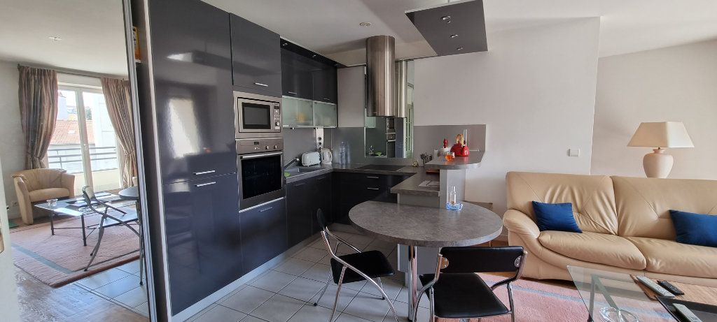 Appartement à louer 2 47.09m2 à Montrouge vignette-2