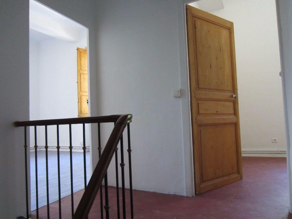 Appartement à louer 3 78m2 à Pertuis vignette-11