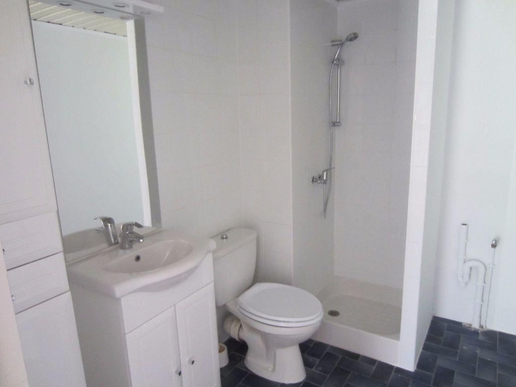 Appartement à louer 2 36m2 à Pertuis vignette-6