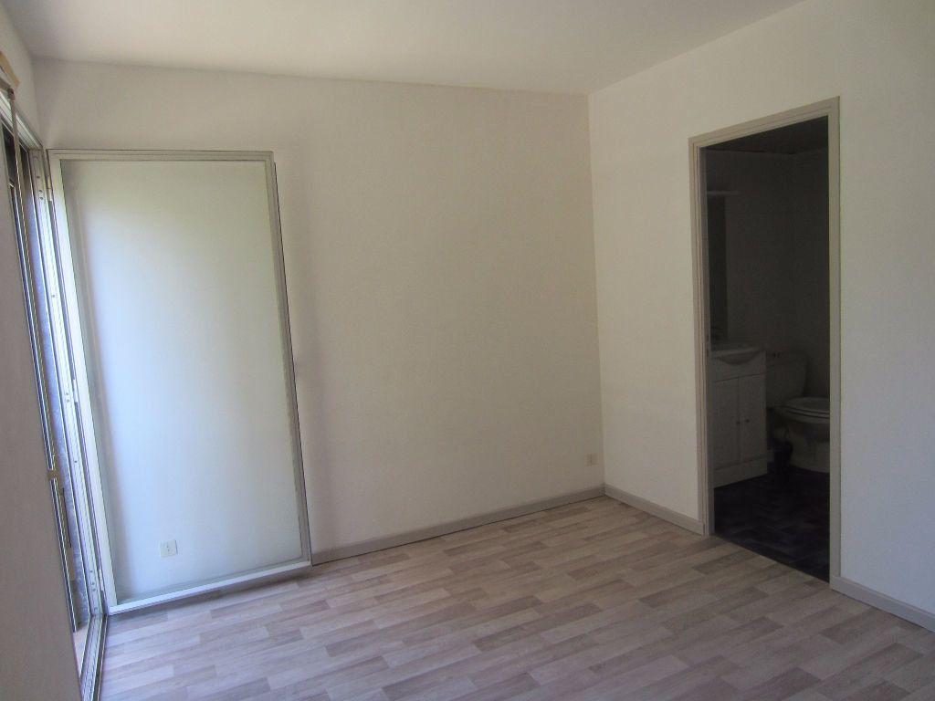 Appartement à louer 2 36m2 à Pertuis vignette-8
