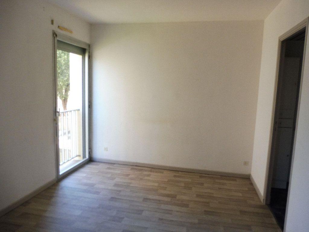 Appartement à louer 2 36m2 à Pertuis vignette-9