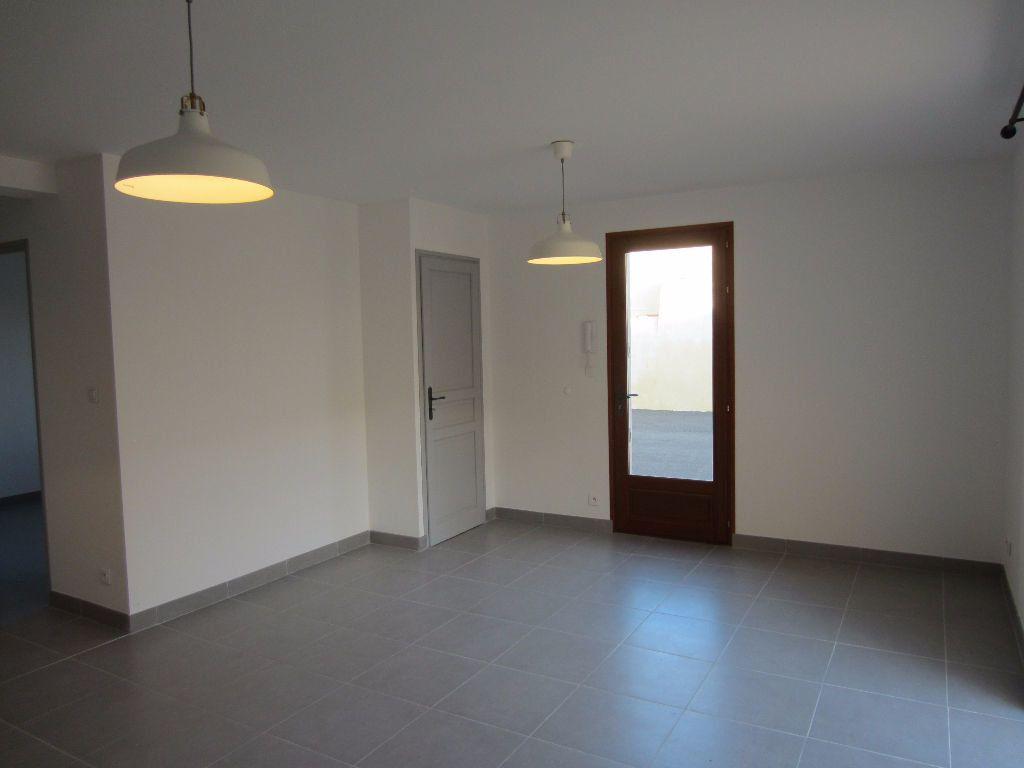 Appartement à louer 2 40m2 à Pertuis vignette-6