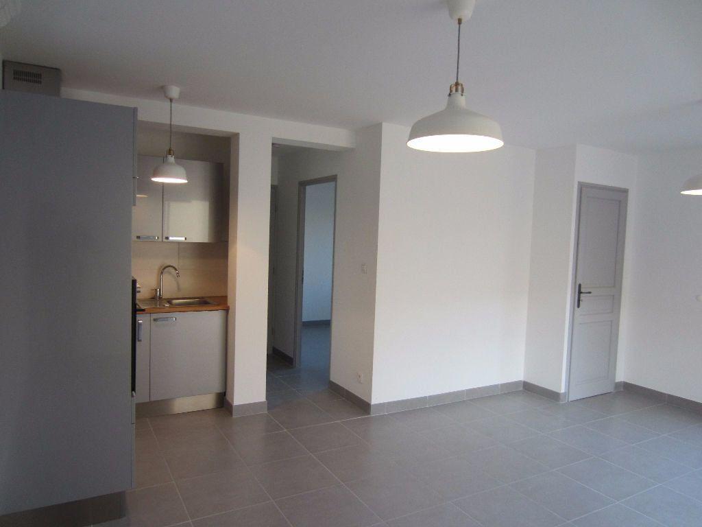Appartement à louer 2 40m2 à Pertuis vignette-7