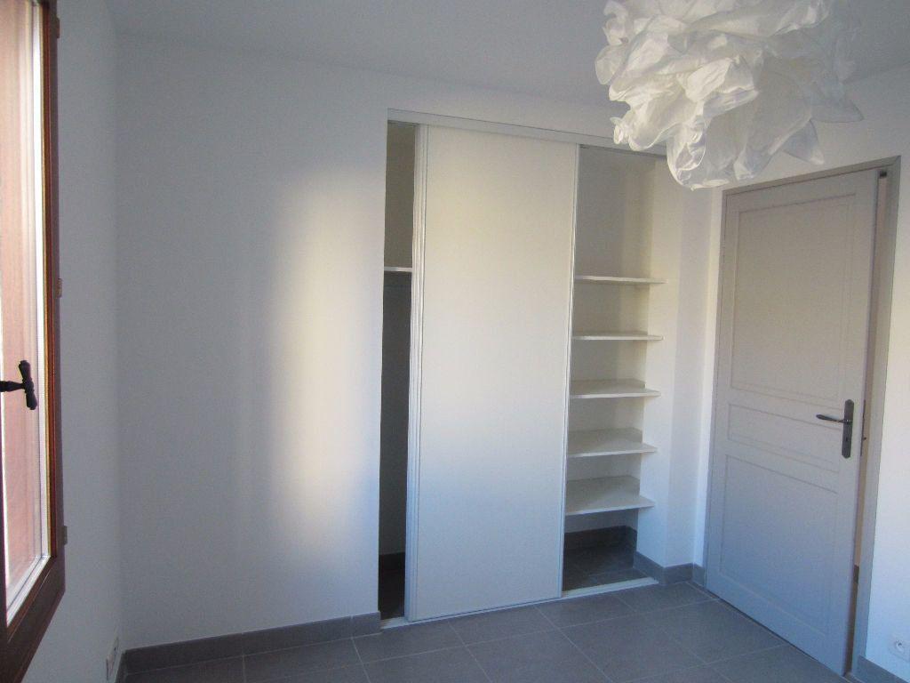 Appartement à louer 2 40m2 à Pertuis vignette-11