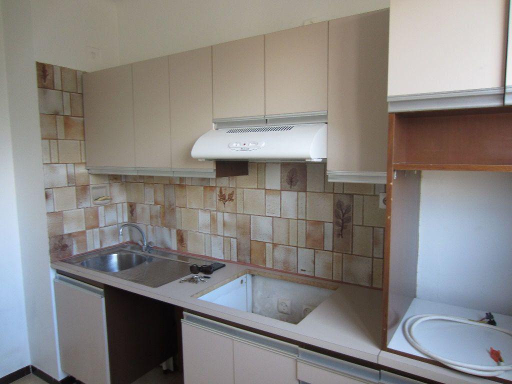 Appartement à louer 3 78m2 à Pertuis vignette-6
