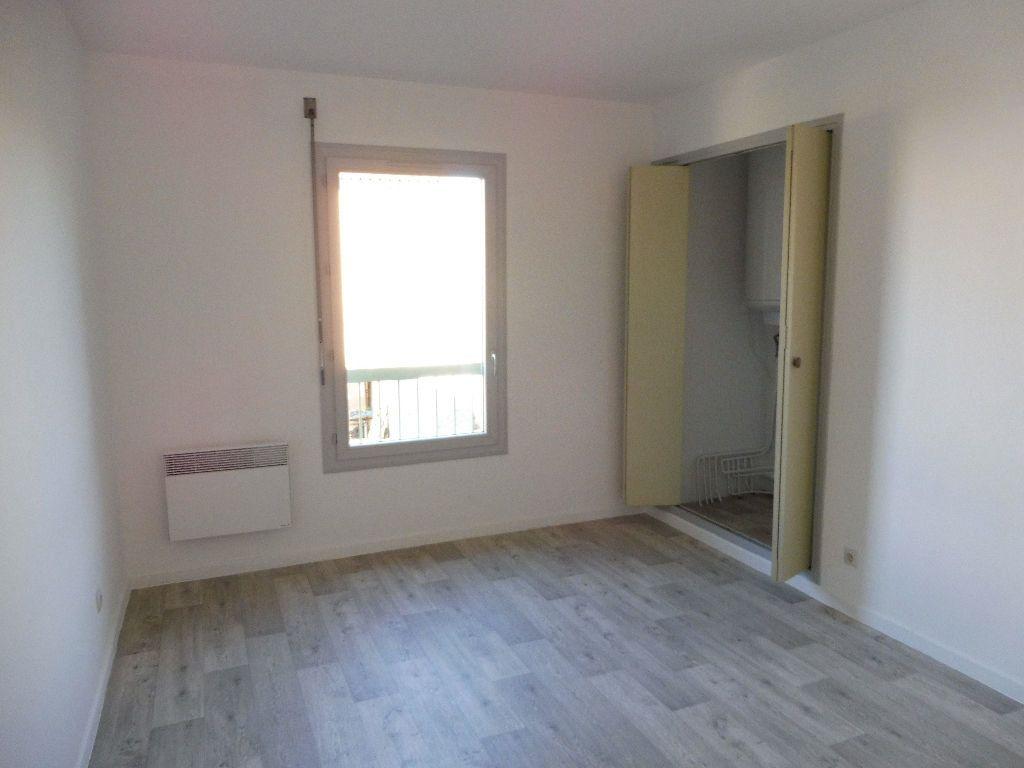 Appartement à louer 3 65m2 à Pertuis vignette-10