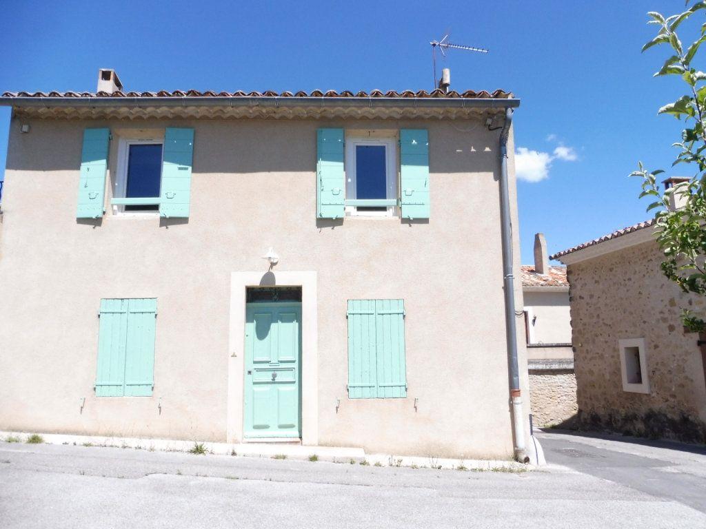 Maison à louer 3 78m2 à Cabrières-d'Aigues vignette-1