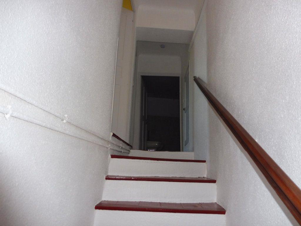 Maison à louer 3 78m2 à Cabrières-d'Aigues vignette-6