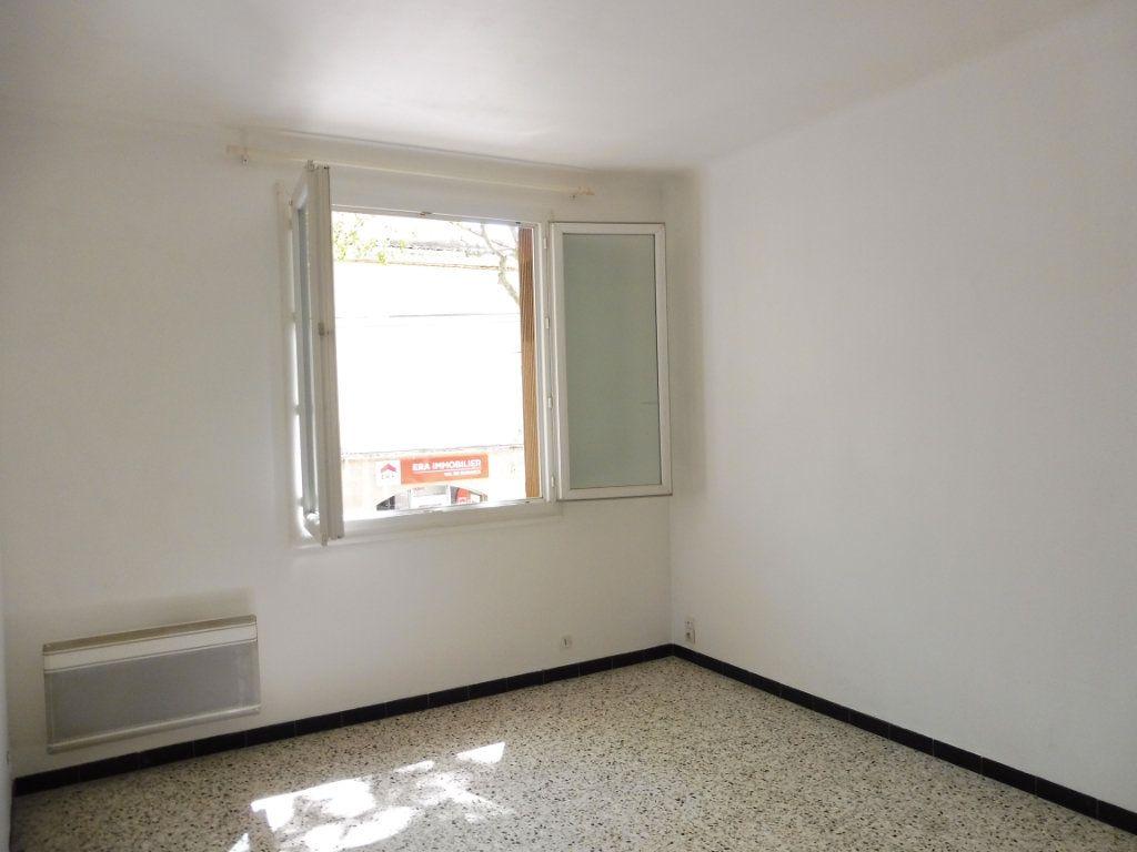 Appartement à louer 2 47m2 à Pertuis vignette-1