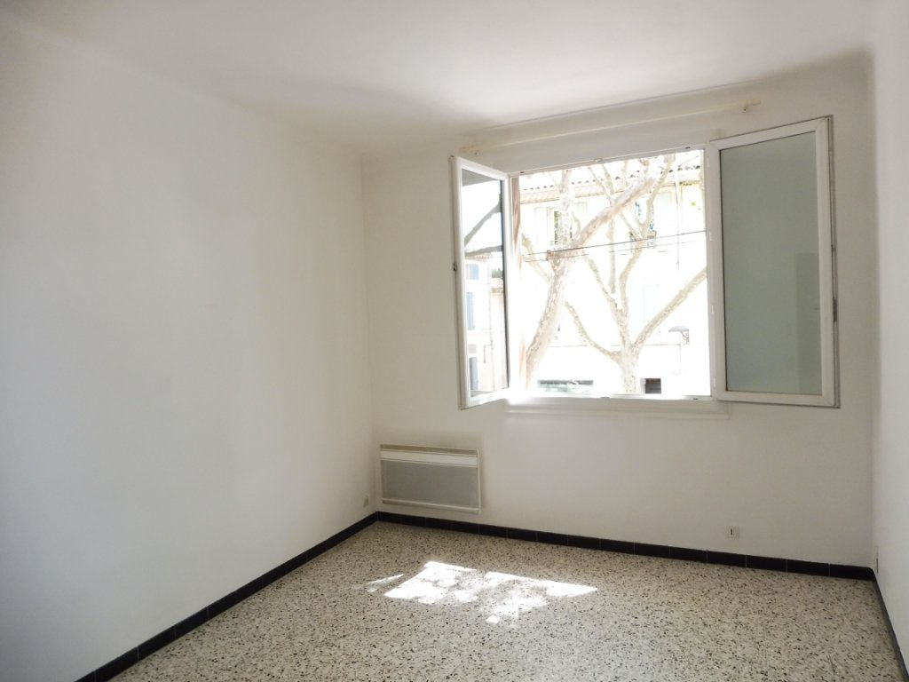 Appartement à louer 2 47m2 à Pertuis vignette-2