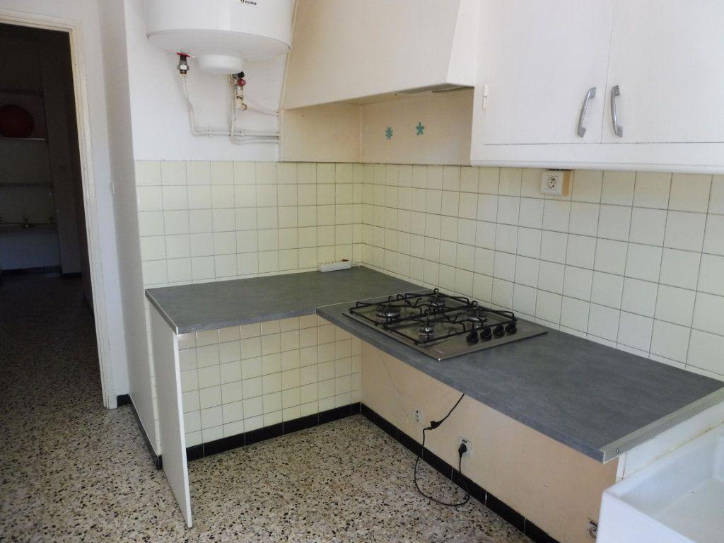 Appartement à louer 2 47m2 à Pertuis vignette-3