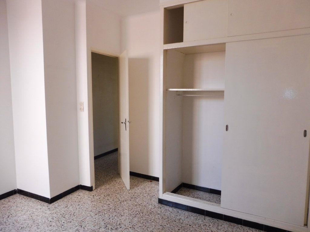 Appartement à louer 2 47m2 à Pertuis vignette-7