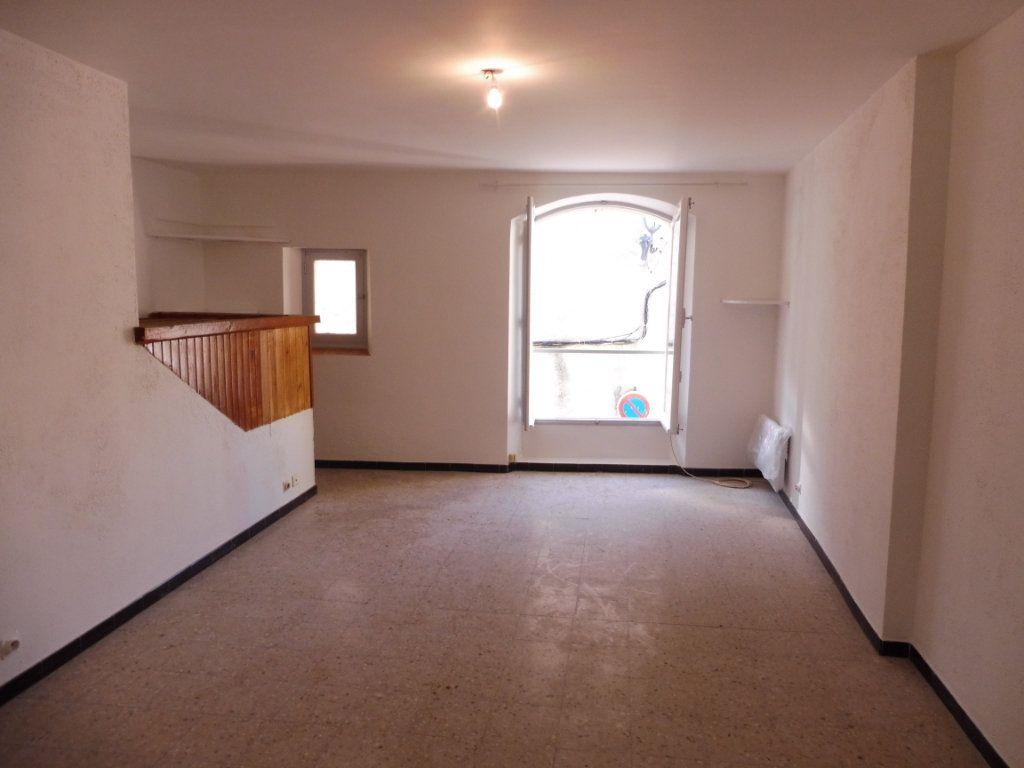 Appartement à louer 1 32m2 à Pertuis vignette-1