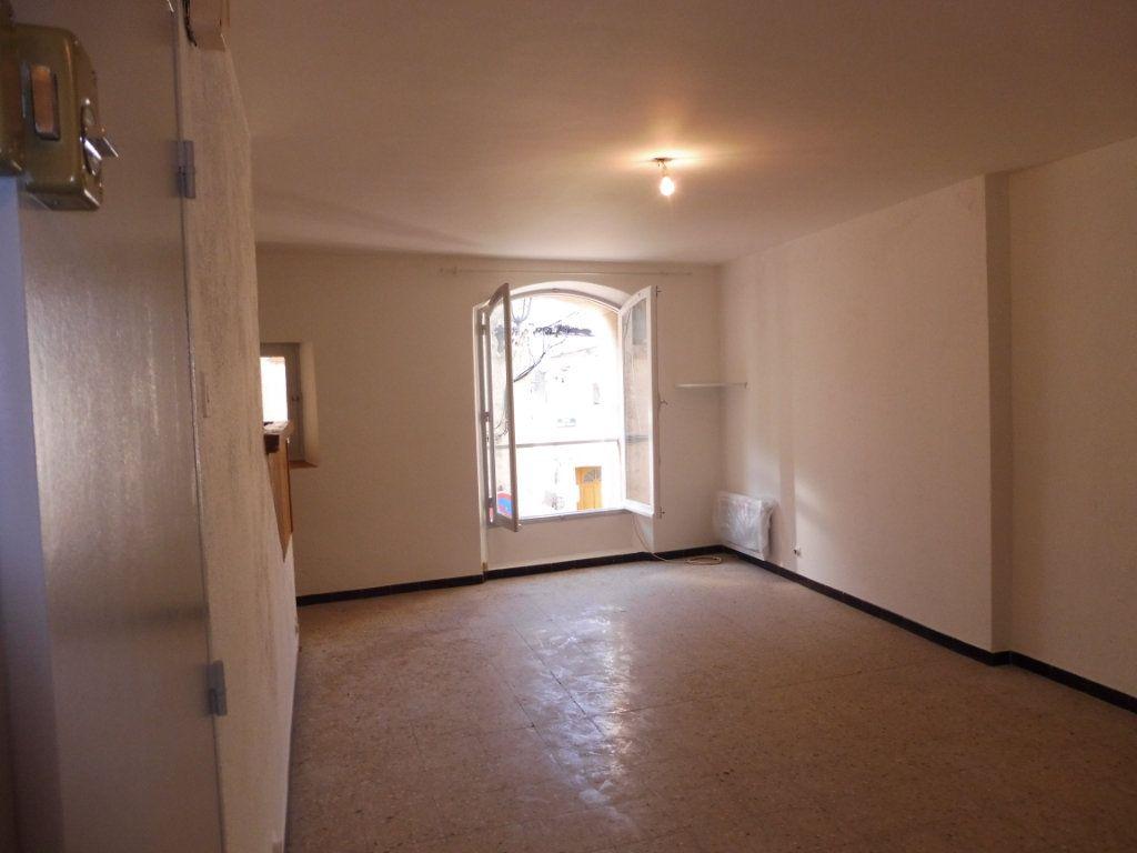 Appartement à louer 1 32m2 à Pertuis vignette-2