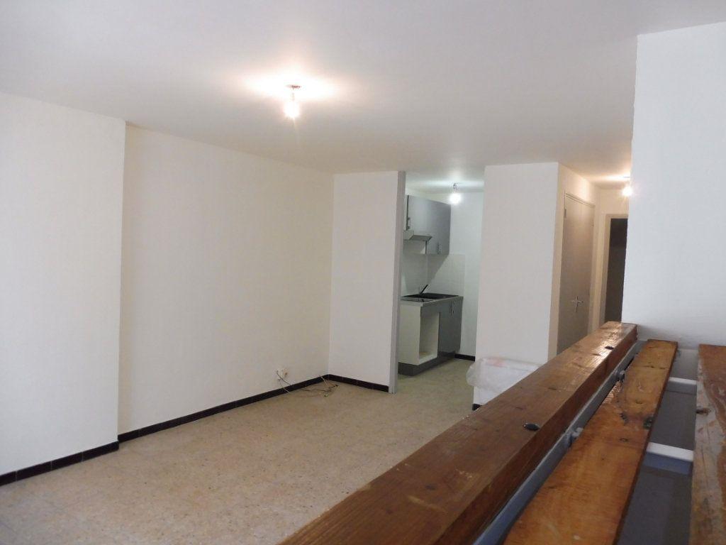 Appartement à louer 1 32m2 à Pertuis vignette-5