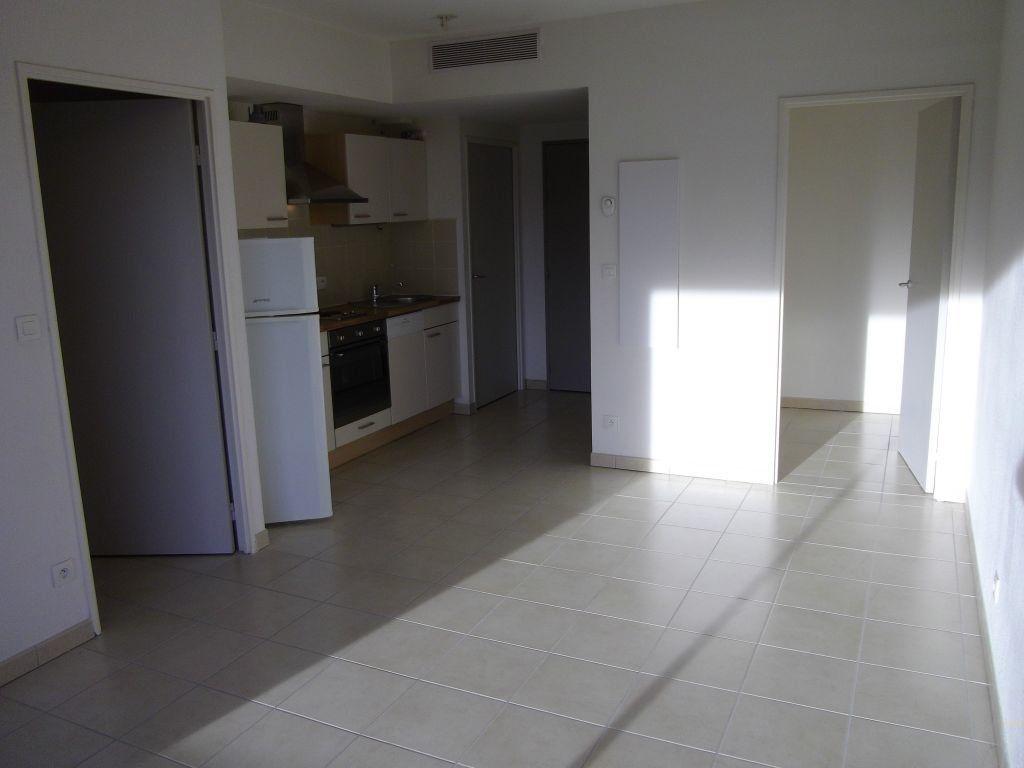 Appartement à louer 2 37.19m2 à Manosque vignette-3