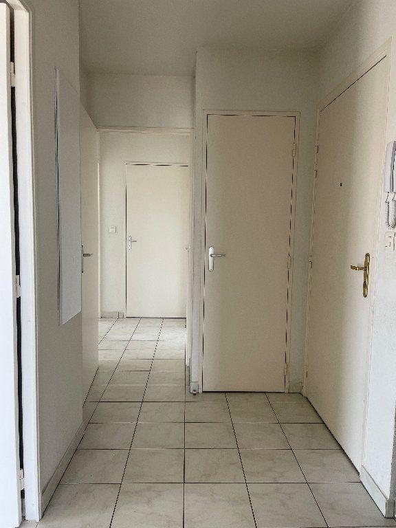 Appartement à louer 3 59.83m2 à Manosque vignette-6