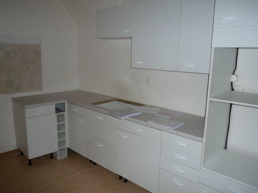 Appartement à louer 3 100m2 à Manosque vignette-3