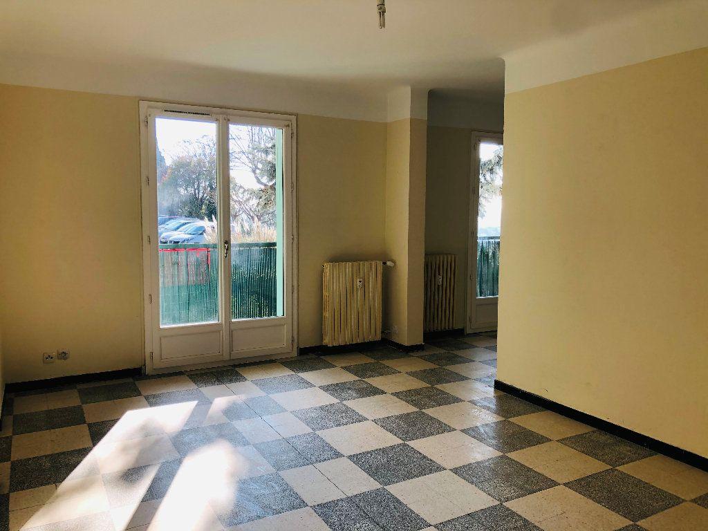 Appartement à louer 3 70.74m2 à Manosque vignette-1