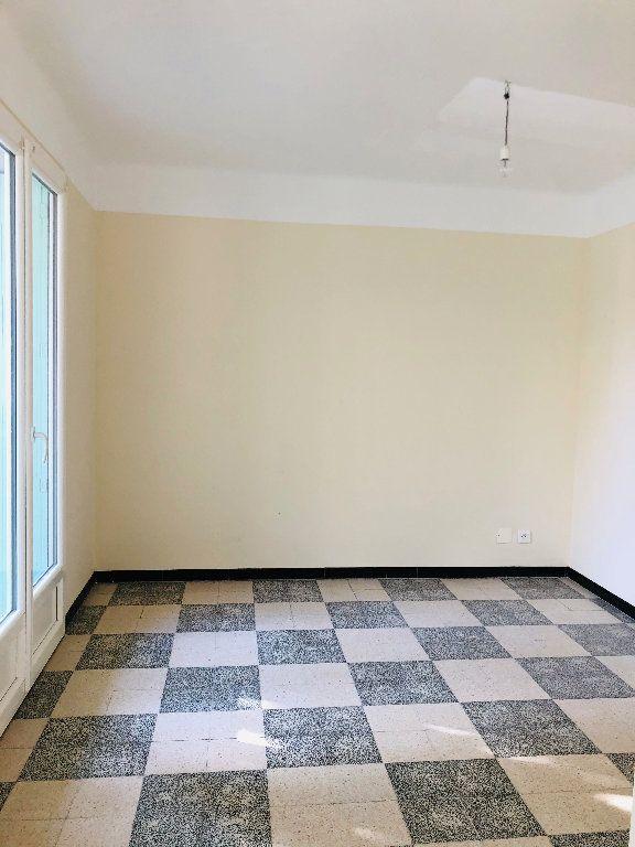 Appartement à louer 3 70.74m2 à Manosque vignette-3