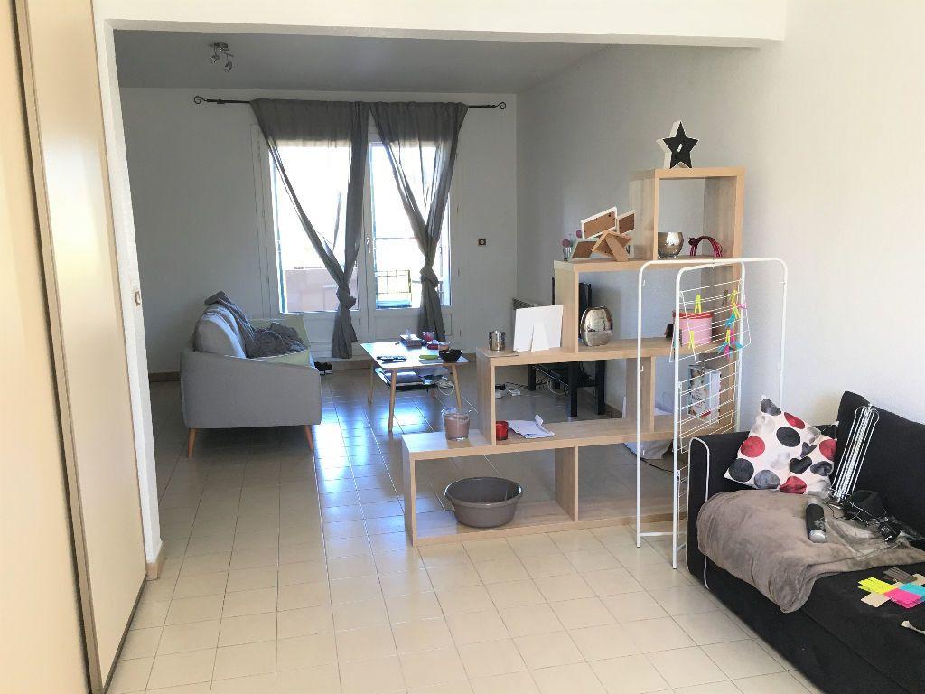 Appartement à louer 2 69.14m2 à Manosque vignette-2