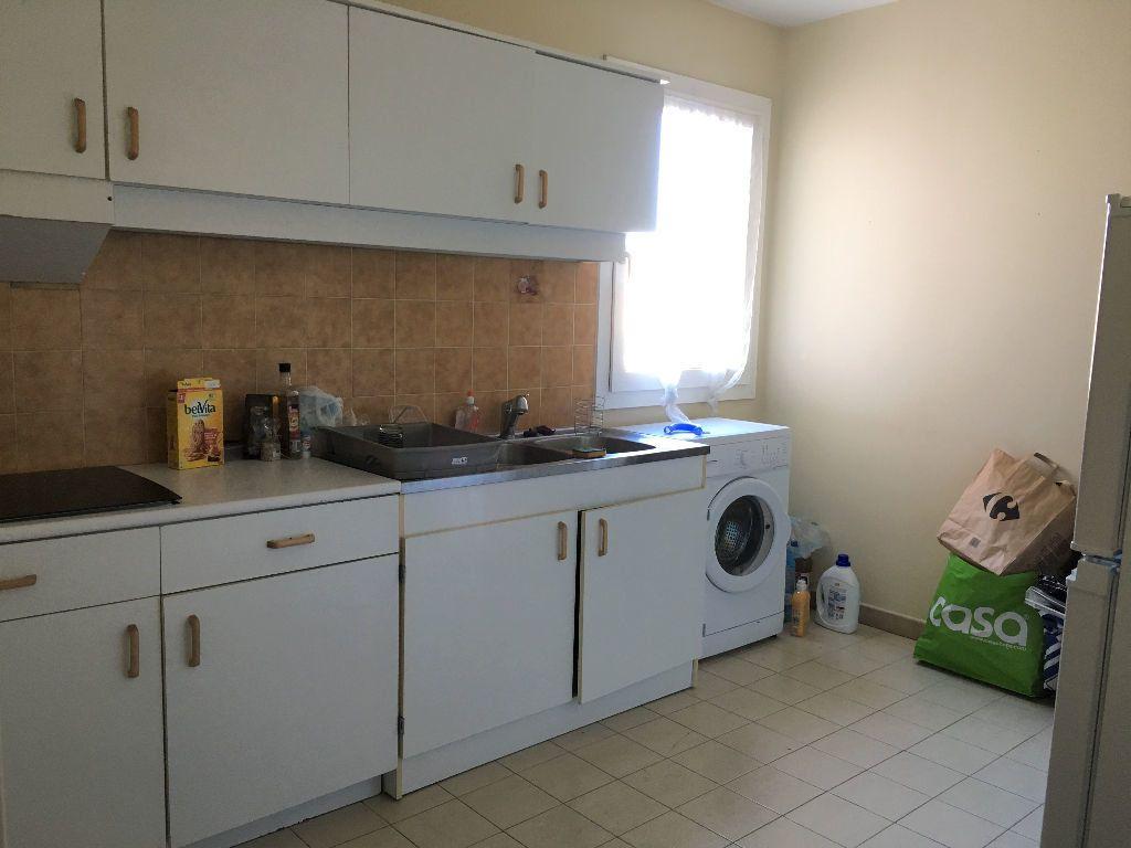 Appartement à louer 2 69.14m2 à Manosque vignette-3