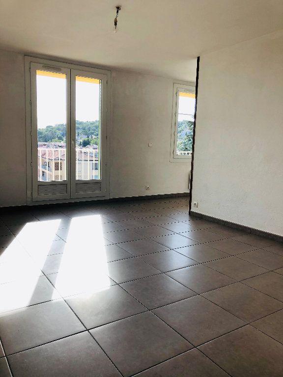 Appartement à louer 3 69.46m2 à Manosque vignette-1