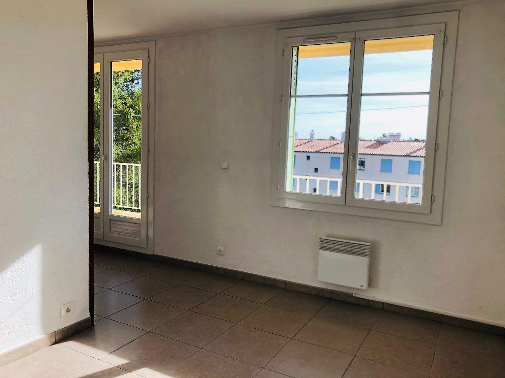 Appartement à louer 3 69.46m2 à Manosque vignette-7
