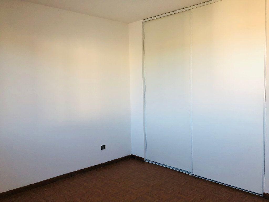 Appartement à louer 3 65.32m2 à Manosque vignette-6