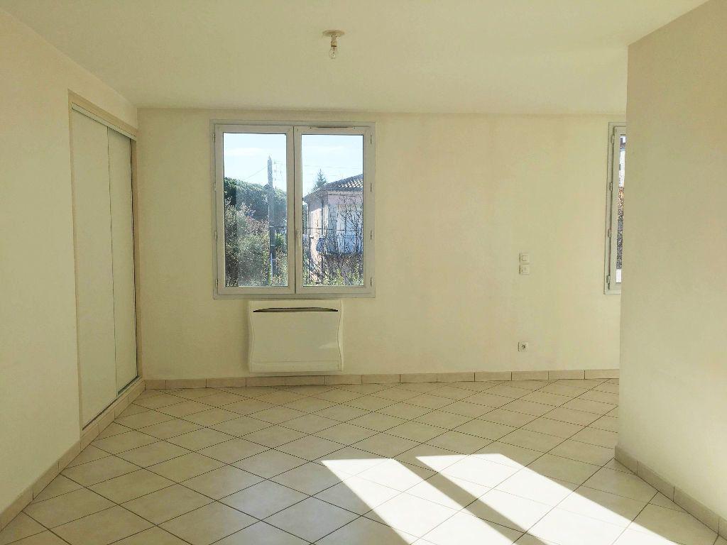 Appartement à louer 2 45.97m2 à Manosque vignette-1