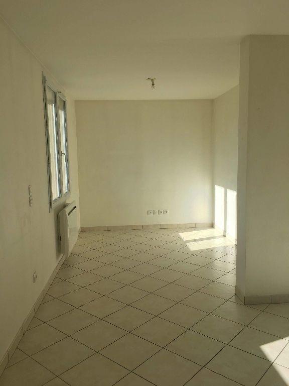 Appartement à louer 2 45.97m2 à Manosque vignette-3