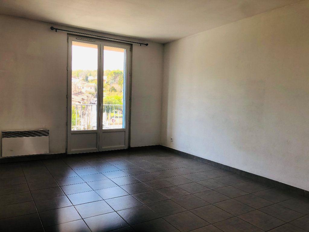Appartement à louer 3 56.24m2 à Manosque vignette-3