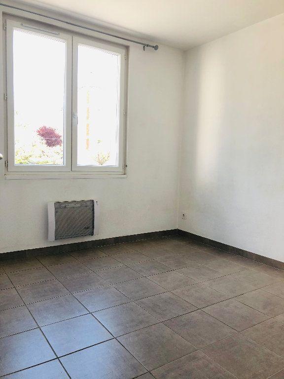Appartement à louer 3 56.24m2 à Manosque vignette-4