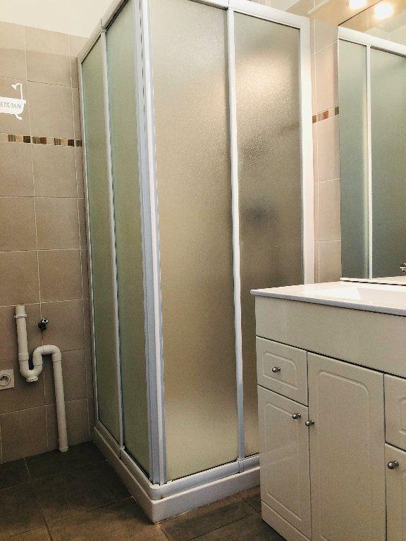 Appartement à louer 3 56.24m2 à Manosque vignette-6