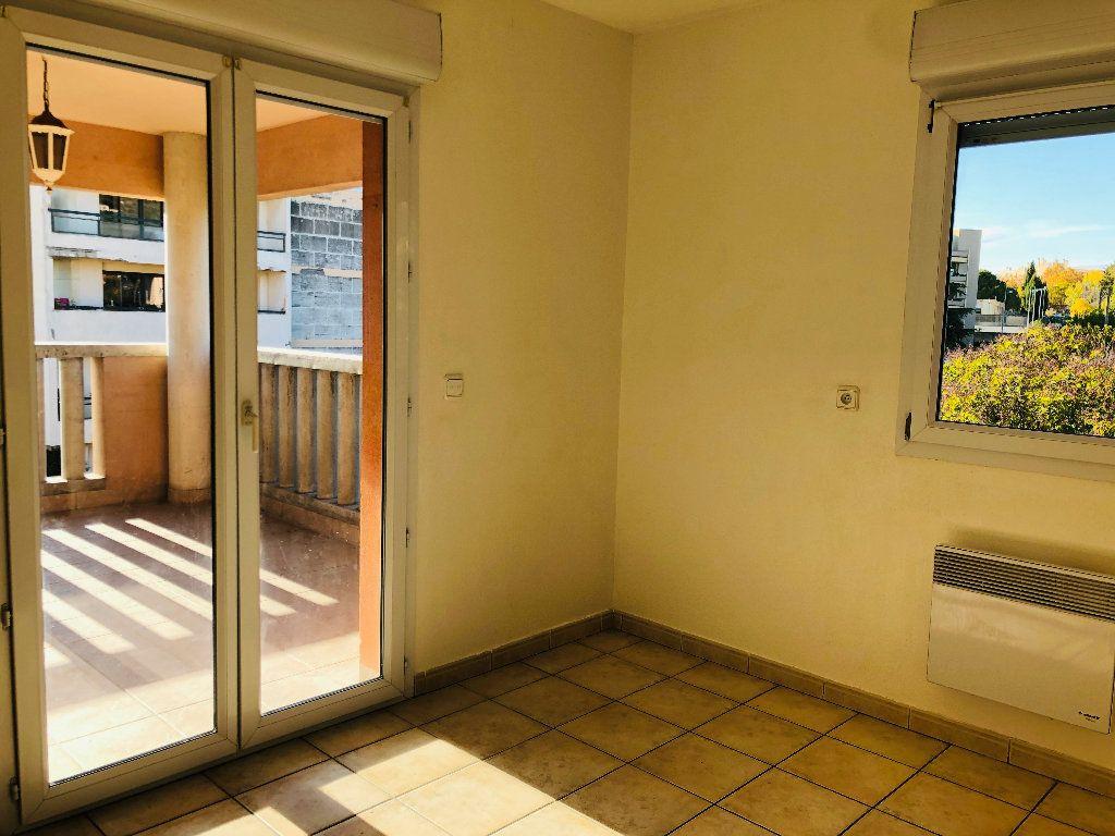 Appartement à louer 4 103.15m2 à Manosque vignette-4