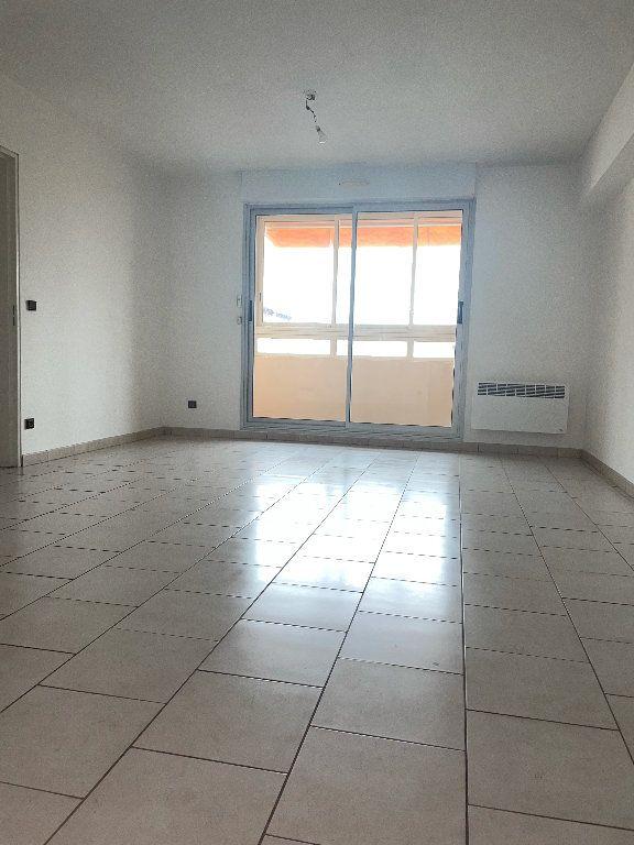 Appartement à louer 4 82.5m2 à Manosque vignette-1