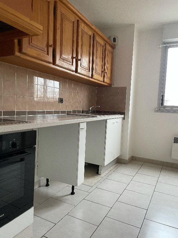 Appartement à louer 4 82.5m2 à Manosque vignette-2