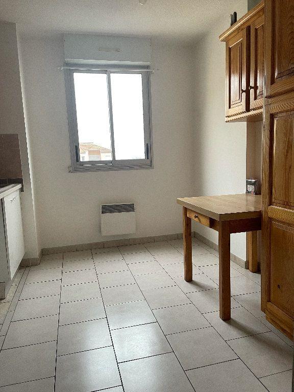 Appartement à louer 4 82.5m2 à Manosque vignette-3
