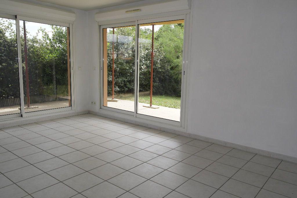 Appartement à louer 2 56.85m2 à Manosque vignette-1