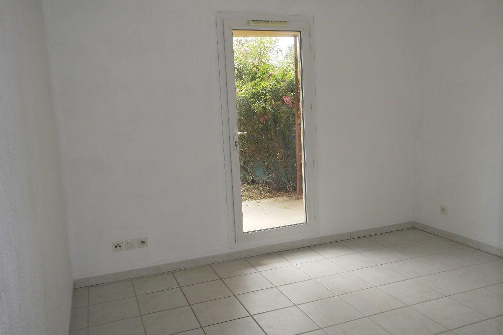 Appartement à louer 2 56.85m2 à Manosque vignette-3
