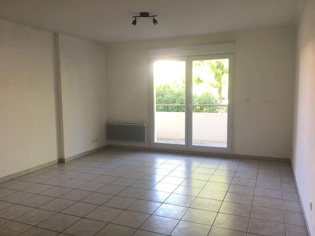 Appartement à louer 3 56.23m2 à Manosque vignette-1