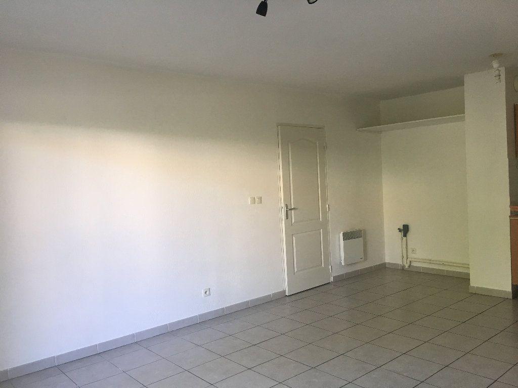Appartement à louer 3 56.23m2 à Manosque vignette-5