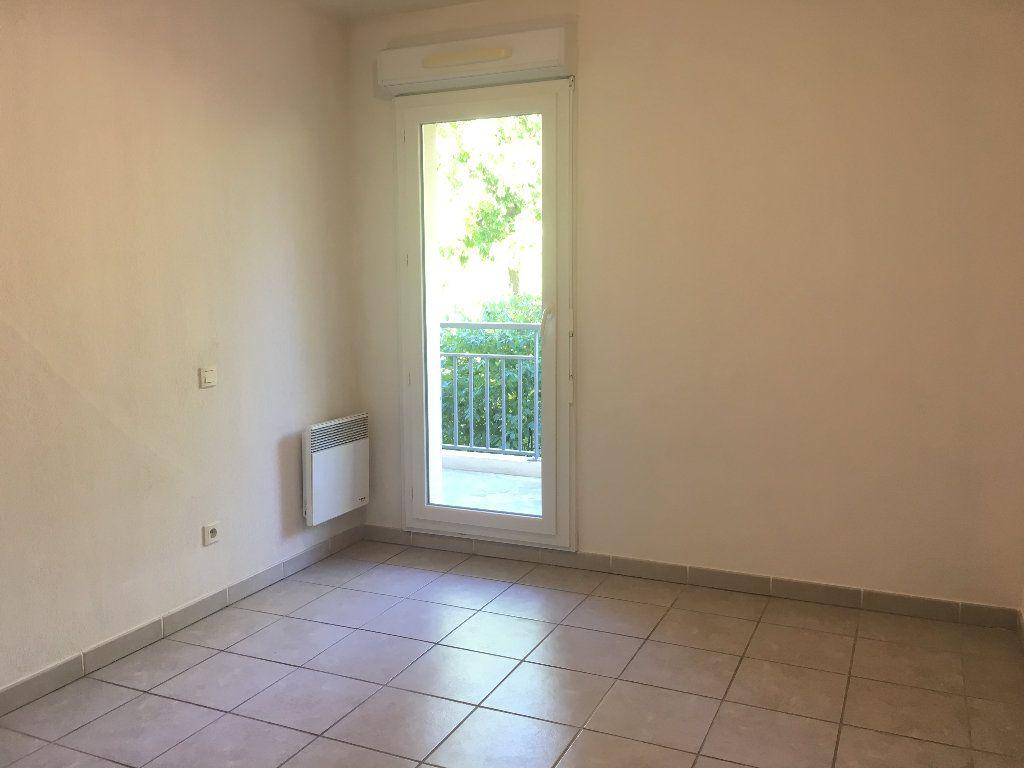 Appartement à louer 3 56.23m2 à Manosque vignette-6